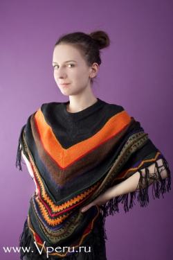 красивое традиционное пончо из шерсти Ламы.